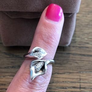 New Sterling Silver Affinity Diamonds Lily Ring
